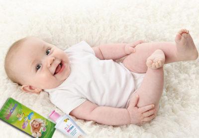 Tắm thảo dược ngăn ngừa bệnh ngoài da cho bé